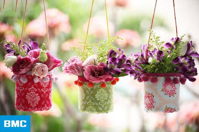 Các vật dụng handmade như giỏ hoa